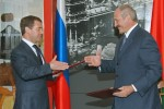 The presidents of Russia and Belarus Dmitry Medvedev (left) and Alexander Lukashenko (right). Source: http://www.daylife.com